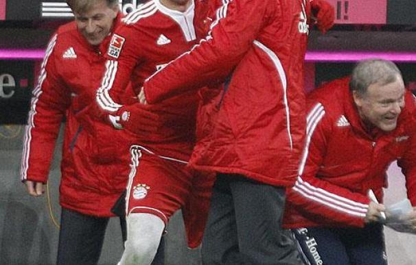 Robben da el liderato provisional al Bayern de Munich