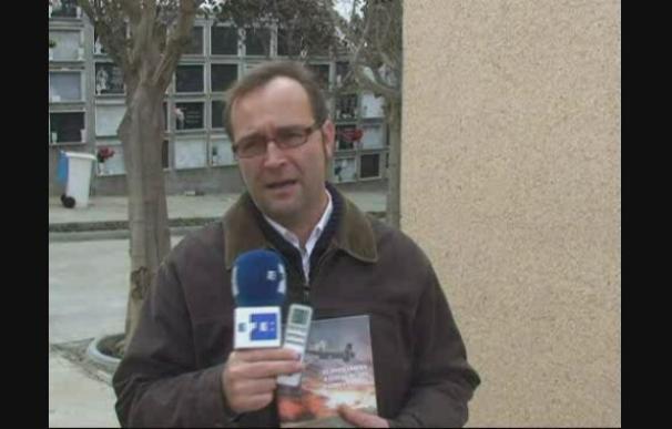 Un investigador pone historia a 7 lápidas de la II Guerra Mundial en un cementerio de Ceuta