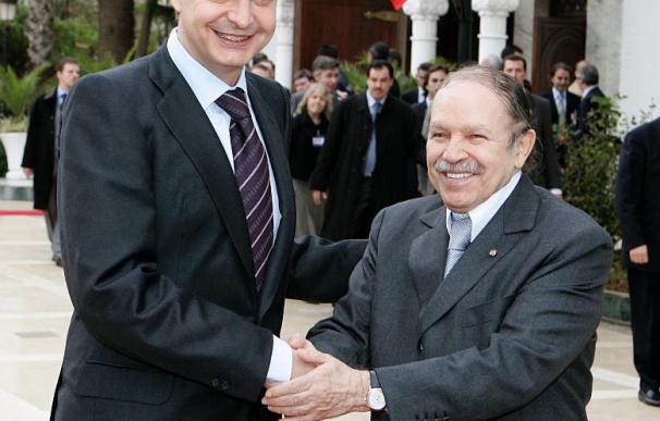 Zapatero y Buteflika sellarán su colaboración contra el terrorismo islamista