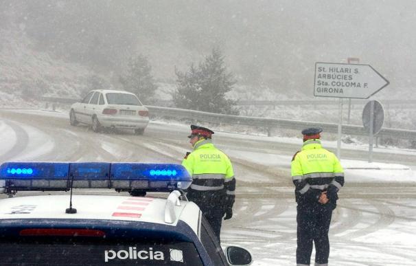 Protección Civil avisa a diez comunidades autónomas por nieve y frío
