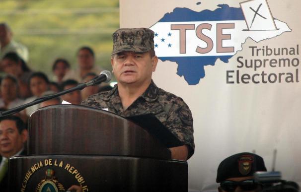 Zelaya critica la acción contra la cúpula militar y las FF.AA. dicen que se defenderán