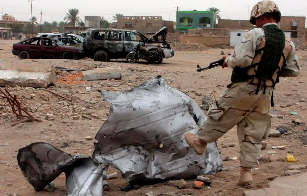 Mueren siete personas en un atentado contra 5 edificios en la ciudad iraquí de Hit