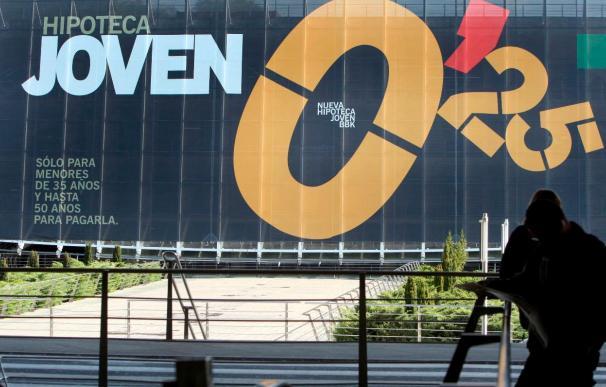 El euríbor baja en enero al 1,232 por ciento y abarata las hipotecas 1.200 euros al año