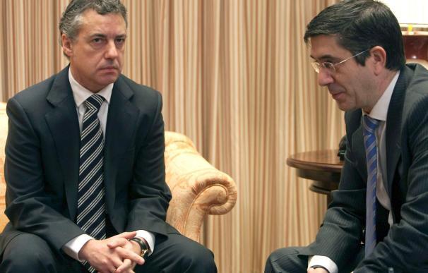 Comienza la reunión entre López y Urkullu