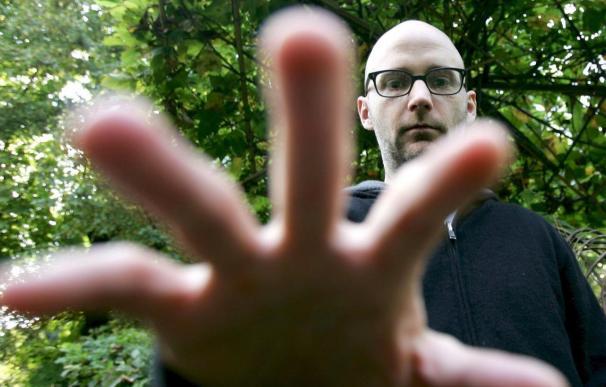 Moby, genio de la música electrónica, viaja a Chile en busca de sus fanáticos