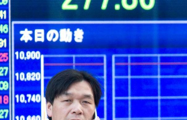 El índice Nikkei baja 143,62 puntos, 1,38 por ciento, hasta 10.270,67 puntos