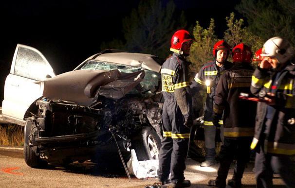 Un fallecido y dos heridos en un accidente múltiple entre camiones y coches en Oropesa