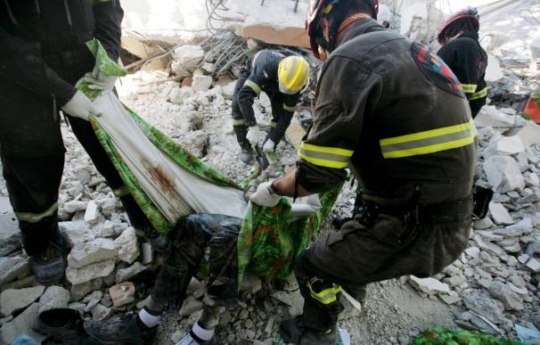 Los equipos de socorristas ya han rastreado el 60 por ciento de las zonas afectadas con 70 rescatadas