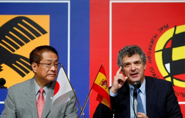 Villar celebra su 60 cumpleaños en Tokio con un acuerdo con la JFA