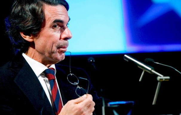 """Aznar dice que España se deshilacha y que con él no hubo """"gales ni faisanes"""""""