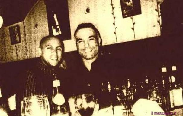 Roberto Carlos con un integrante de la Camorra (IL Messaggero.it)