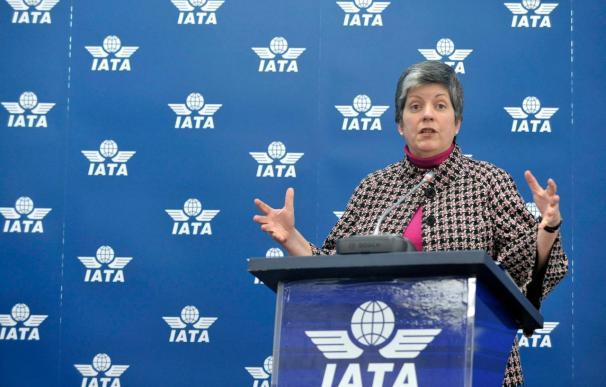 Napolitano se reúne con la industria aeronáutica para coordinar la seguridad de los vuelos