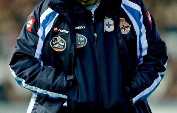 El Deportivo afronta con dudas el reencuentro con Caparrós y Europa en juego