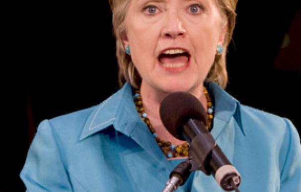 """Hillary Clinton advierte a Pekín: """"los países que restringen el acceso a la información corren el riesgo de aislarse del progreso"""""""