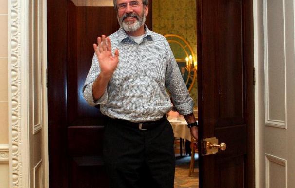 Adams advierte de que el futuro de Irlanda del Norte no puede depender de marchas orangistas
