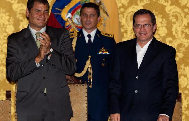 Asumen el cargo tres nuevos ministros en Ecuador, entre ellos el canciller