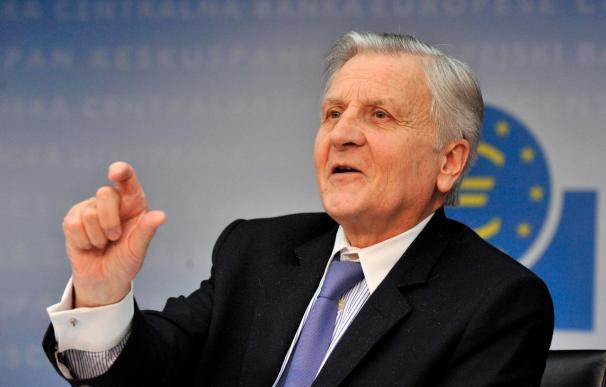 Trichet defiende la zona euro con su diversidad y apoya a Grecia y España