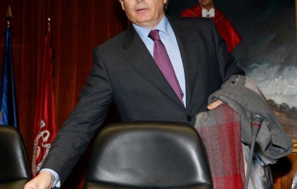El Supremo acuerda investigar a Garzón por sus cobros durante su estancia en Nueva York