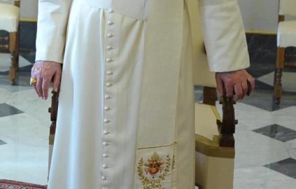 El Papa liberó palomas de la paz acompañado de dos niños