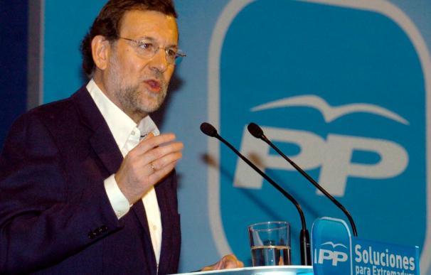 """Rajoy acusa al Gobierno de padecer un """"déficit de credibilidad insuperable"""""""