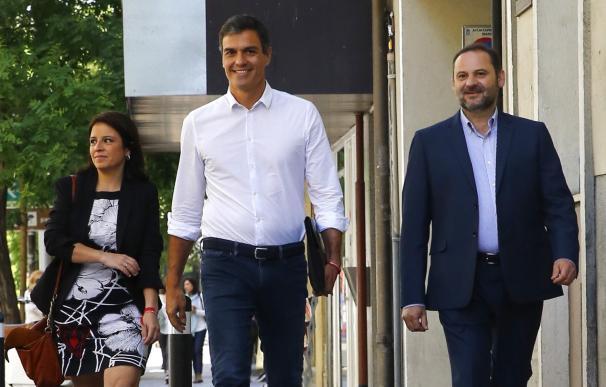 Sánchez prepara una revolución en la ejecutiva sin barones y sin cuotas