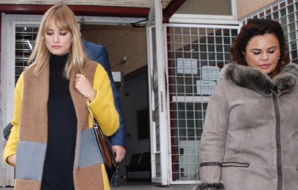 Teresa Bueyes renuncia a la defensa de Alba Carrillo