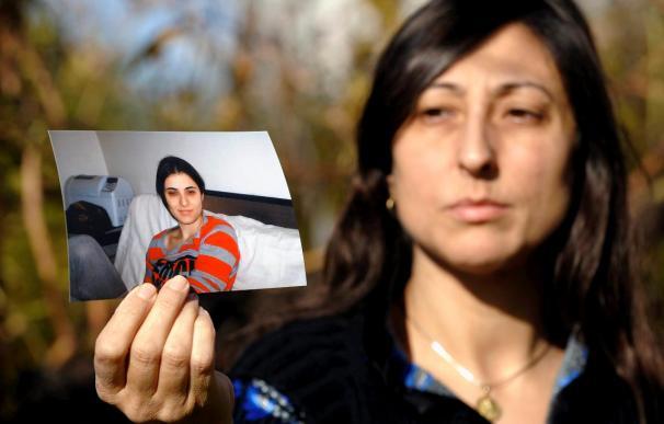 Una madre pide ayuda para que su hija pueda vivir sin burbuja con tratamiento en EEUU