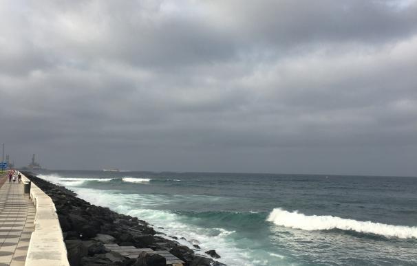 Canarias continúa este jueves en riesgo por vientos y fenómenos costeros