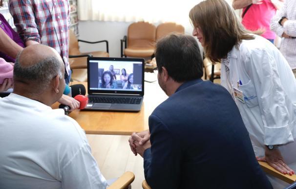 El Hospital de Guadarrama ofrece 'tablets' a sus pacientes para que puedan hacer videollamadas con familiares y amigos