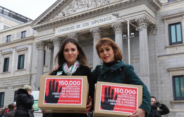Abogados de Juana Rivas preparan nuevo recurso de amparo ante el Tribunal Constitucional