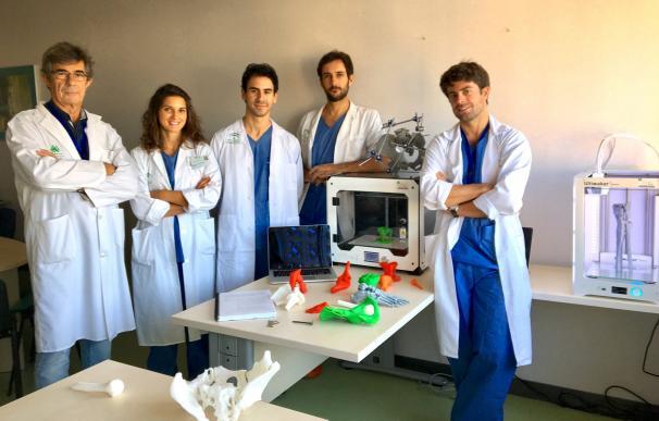 Traumatólogos del Virgen del Rocío imprimen en 3D réplicas exactas de huesos de pacientes con fracturas