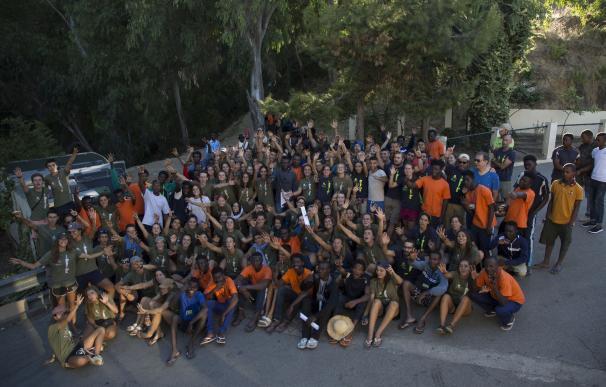 Los expedicionarios de España Rumbo al Sur se reúnen con los migrantes que entraron a Ceuta esta semana