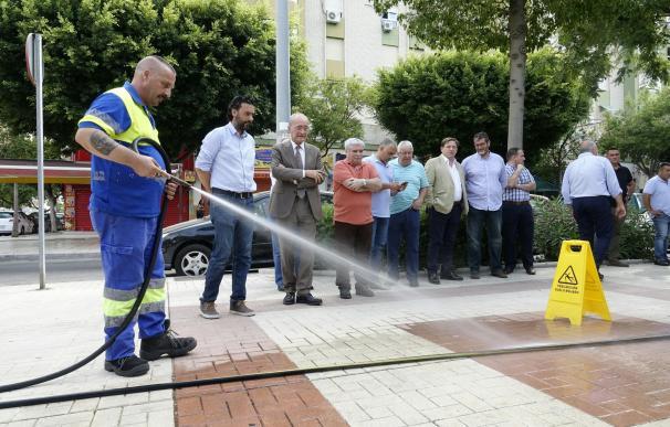 El Ayuntamiento destina cerca de 800.000 euros a la nueva red de baldeo de Jardín de la Abadía y Huelin