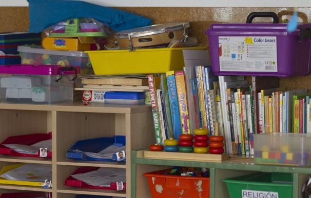 Un total de 107 centros resultan beneficiarios de ayudas para adquirir materiales curriculares de Primaria y Secundaria