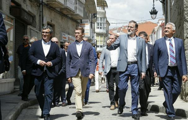 """Feijóo erige la formación en turismo en """"elemento clave"""" para que Galicia siga """"batiendo récords"""" de visitantes"""