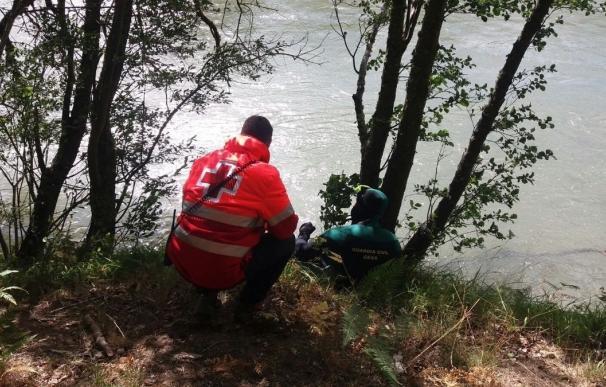 Rescatado en Bustasur (Cantabria) el cuerpo sin vida del pescador desaparecido en el Ebro