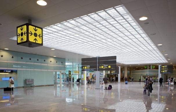 Aena vuelve a licitar la restauración del Aeropuerto de El Prat sin cambiar condiciones