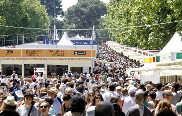 La 76 Feria del Libro de Madrid acoge más mujeres que hombres y logra 8,8 millones de euros en ventas