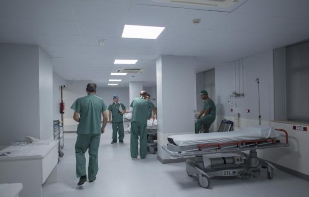 El Hospital Virgen de las Nieves impulsa un bloque quirúrgico tras una inversión de 7,9 millones de euros