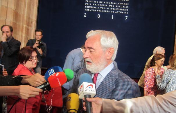 Miembros del jurado resaltan la capacidad de emocionar de Zagajewski y el espíritu europeo de su lírica