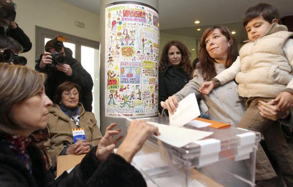 El PP logra su mejor resultado en Cataluña y proclama el inicio del cambio en España