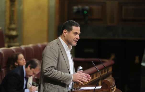 """Unidos Podemos ve """"falta de neutralidad"""" en el CSN, al que acusa de estar """"capturado"""" por el Gobierno y las eléctricas"""