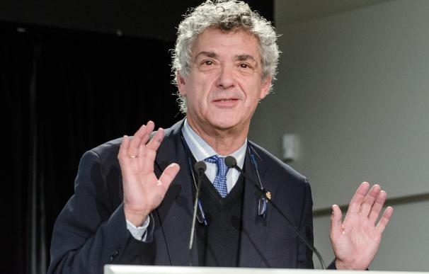La FIFA sanciona a Villar con una multa de 23.000 euros y una advertencia / Getty Images.