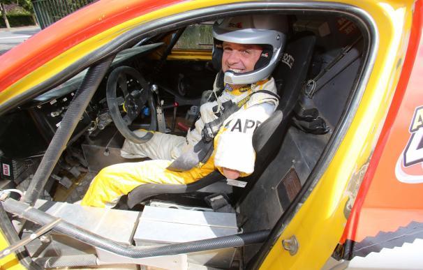 Philippe Croizon, el hombre que sin manos ni piernas va a correr el Dakar / AFP.
