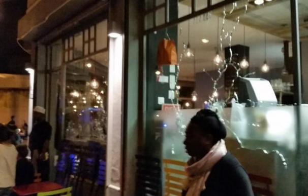 Al menos 30 muertos en un tiroteo y tres explosiones en París