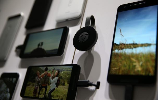 Un teléfono móvil almacena una gran cantidad de datos personales de su usuario. (AFP)