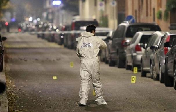 La policía forense italiana investiga el lugar en el que el ortodoxo judío fue apuñalado