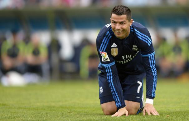 """Cristiano Ronaldo: """"""""Creo que Messi va a ganar este año el Balón de Oro"""" / AFP."""
