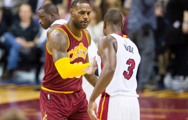 CLEVELAND, OH - OCTOBER 30: LeBron James #23 of th