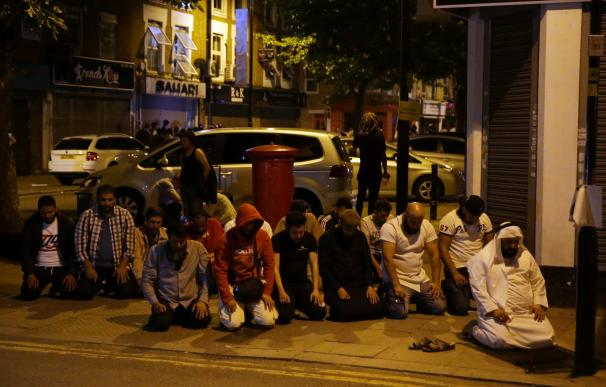 Al menos un muerto y diez heridos en un atropello en una mezquita en Londres